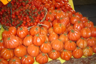 Different varieties of tomatoes - the big ones were not very acidic
