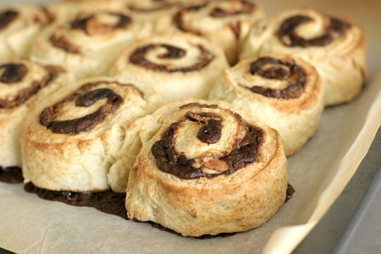 cinnamon roll biscuits baked