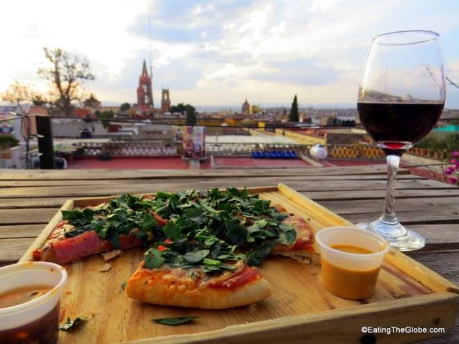 Casa Chiquita pizza San Miguel de Allende