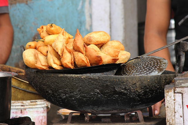Your Guide To The Best Indian Street Food