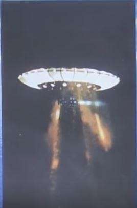 UFOmultiplelightbeams1