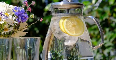 Here's why you need to drink water to feel great!