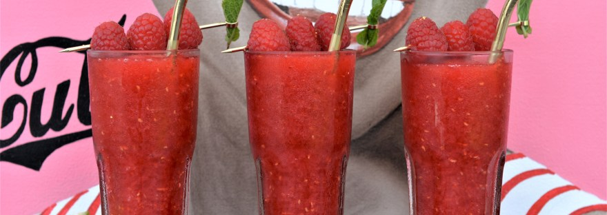 Drink aus Himbeeren, Cocktail