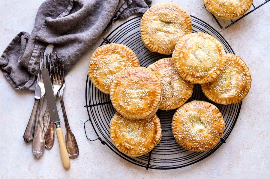 vietnamese meat pies pate chaud banh pate so