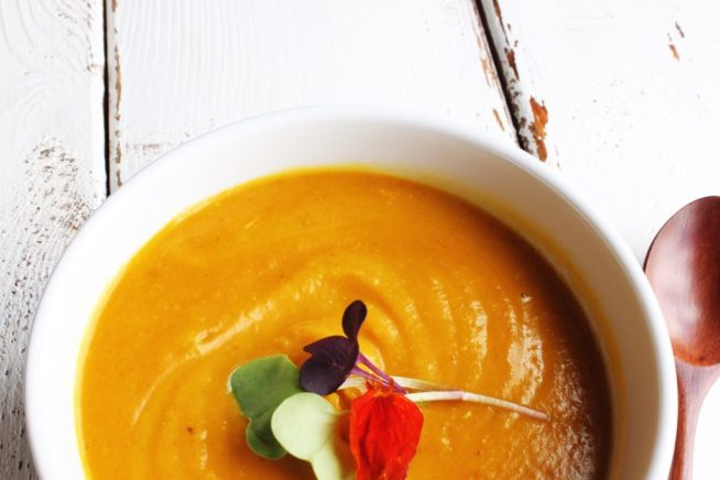 This butternut squash soup is so unbelievably smooth and creamy and bursting with flavour that's it's hard to believe it's healthy.