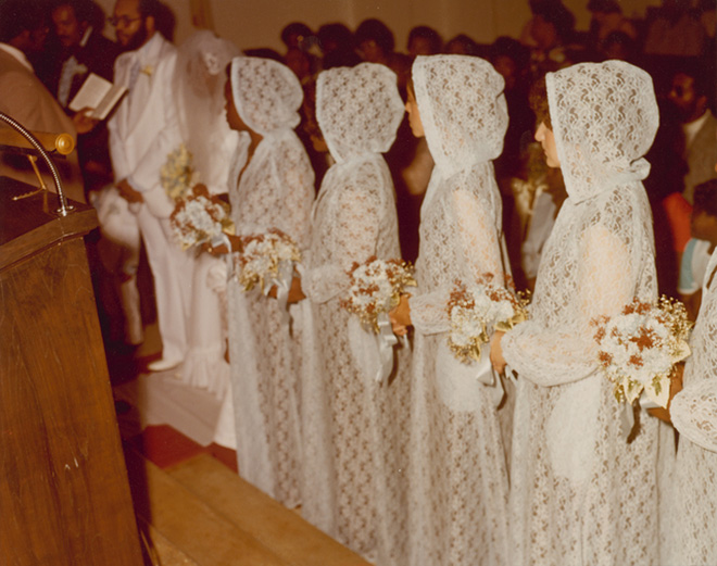 Hilariously Ugly Vintage Bridesmaids Dresses That Show How