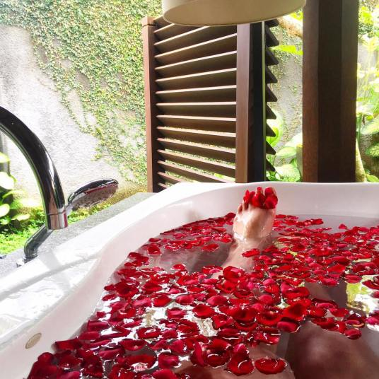 Rose bath at Kayumanis Ubud