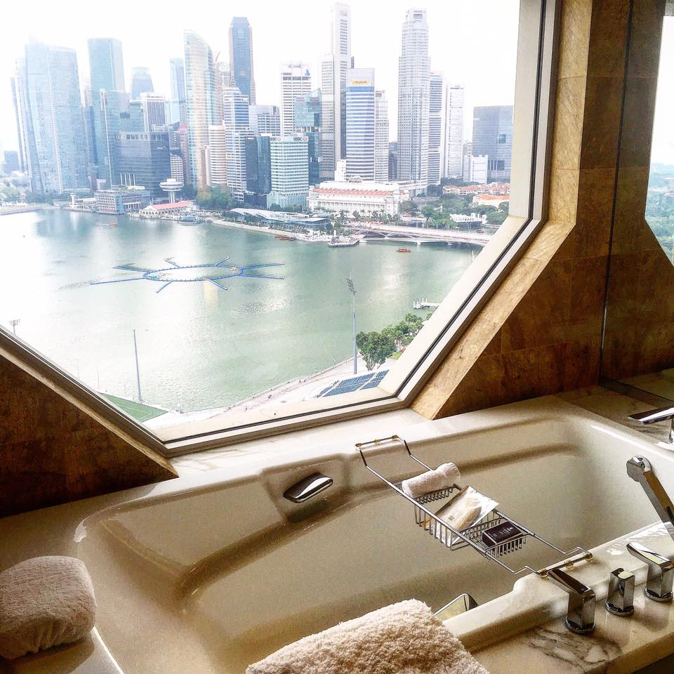 A Luxury Stay at the Ritz Carlton Millenia Singapore