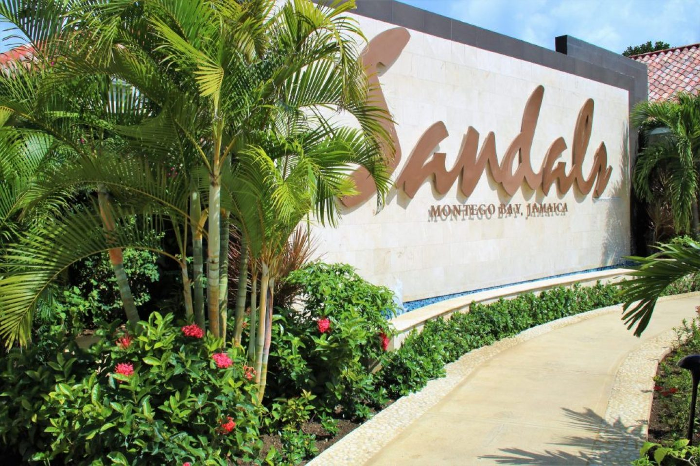 Sandals Montego Bay is the luxury included vacation you NEED in your life.
