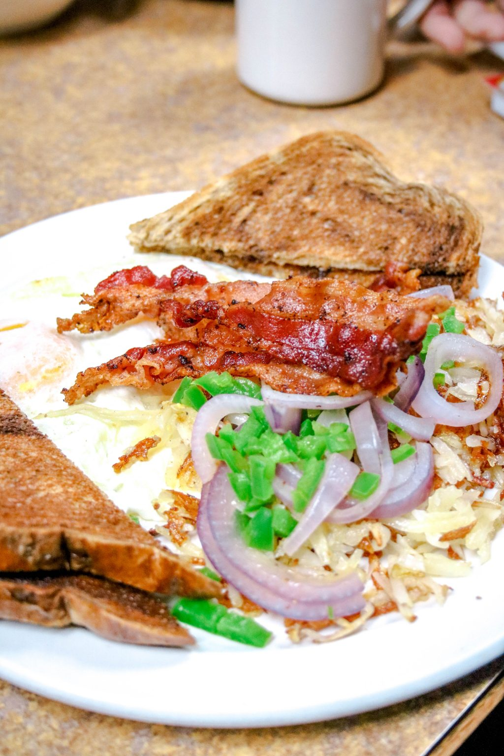Mackinac Island Restaurants - top places to eat when visiting the island!
