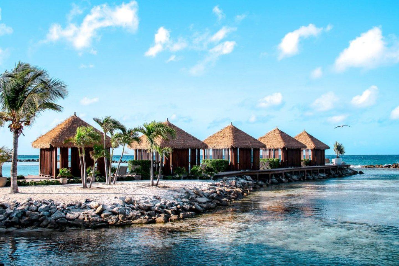 Cabanas at flamingo beach for rent