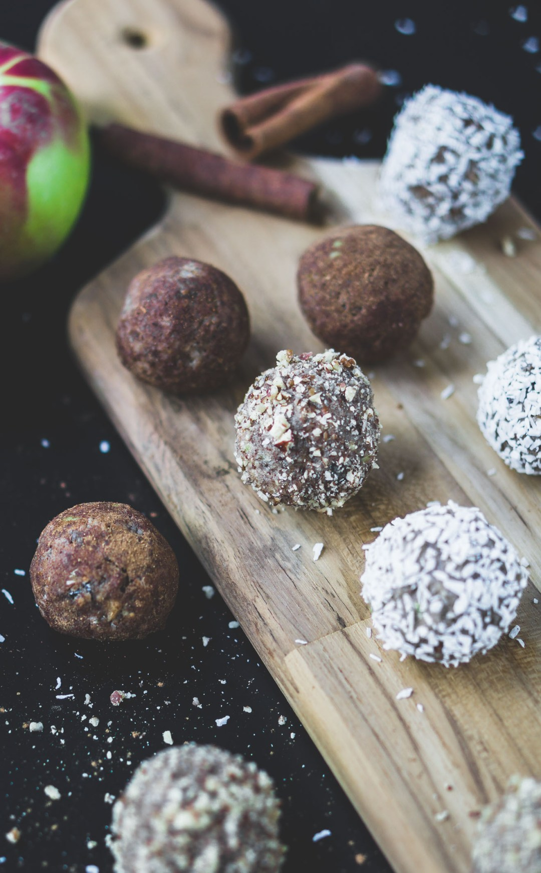 Simple-Healthy-Apple-Pecan-Spiced-Bites