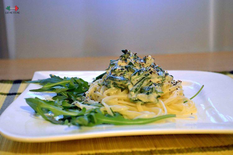 Tagliatelle z gorgonzolą i szpinakiem