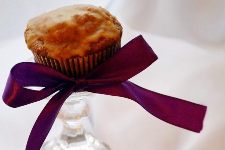 Muffinki marchewkowe z pomarańczowym lukrem