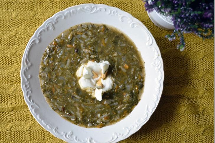 Tradycyjnie – zupa szczawiowa według przepisu Mamy