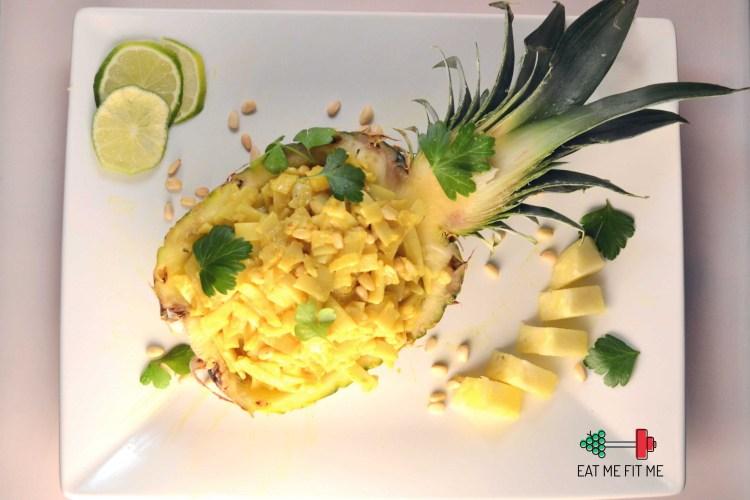 Kolacja w ananasie? Prosty przepis na trochę rozgrzewających zmysły, egzotycznych smaków