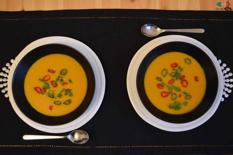Przepis na hot zupę dyniowo-marchewkową, czyli aromatyczny krem z dyni na chłodne dni
