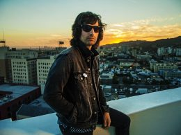 Кавер Pete Yorn — Here Comes Your Man (Pixies сover)