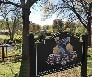 circus-world-sign