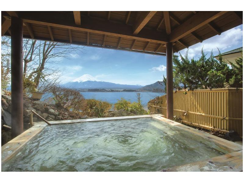 Le onsen du Sunnide Resort avec sa vue sur le mont Fuji
