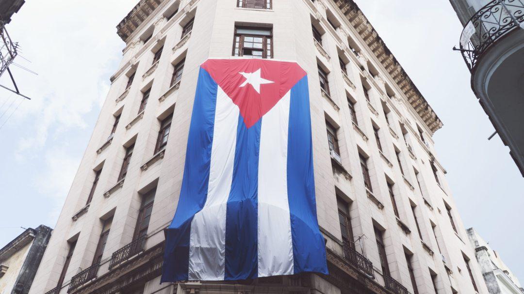 le drapeau cubain à La Havane