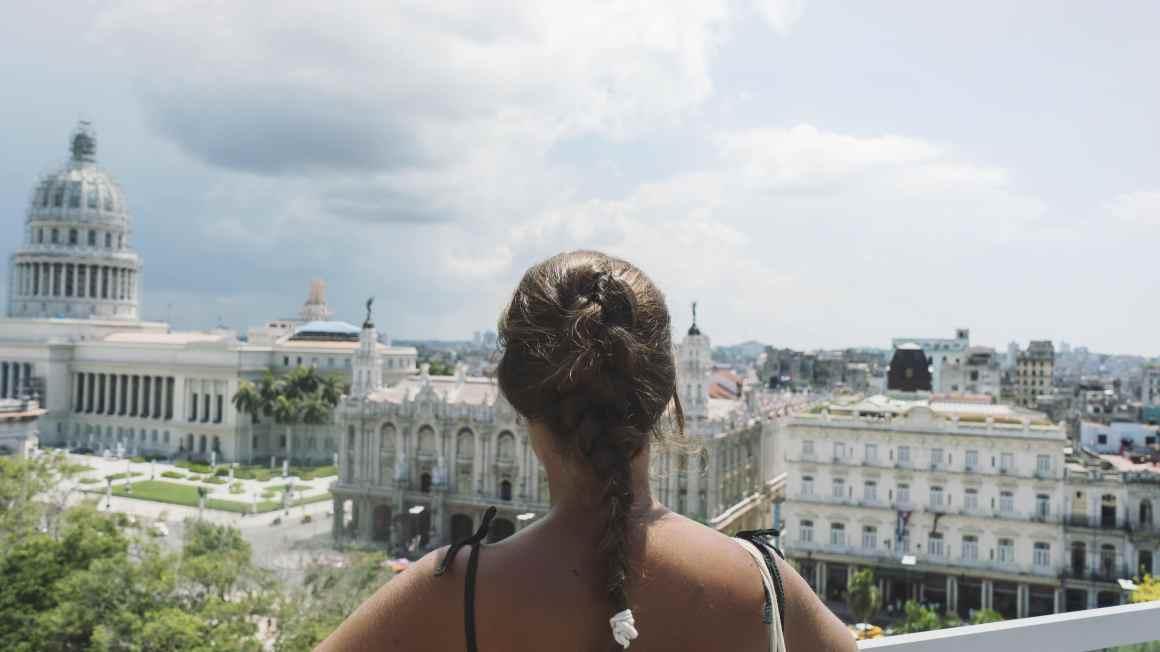 eatmytravel admire La Havane depuis les toits de la ville