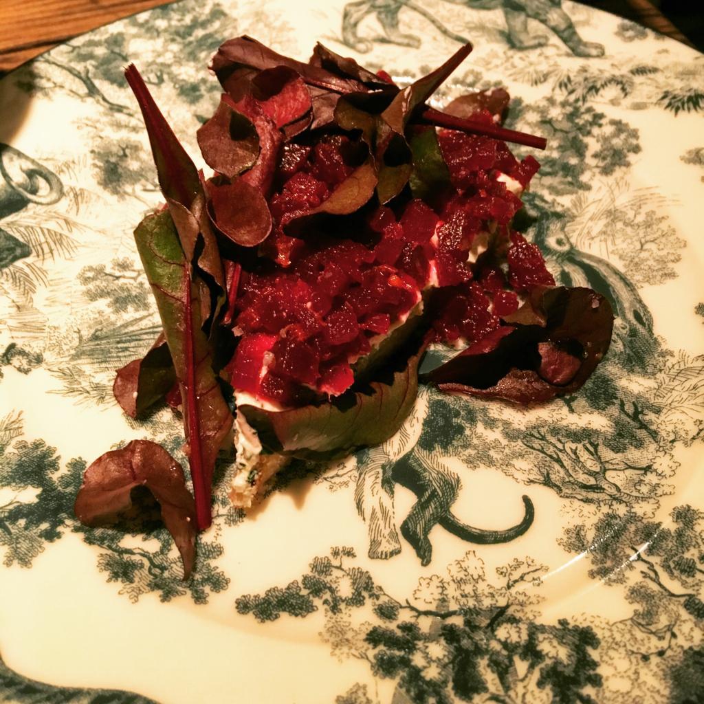 tartine de chèvre betterave salade