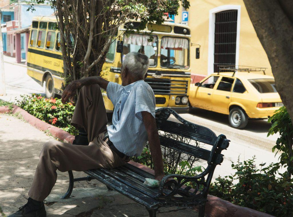 bus et taxi à trinidad