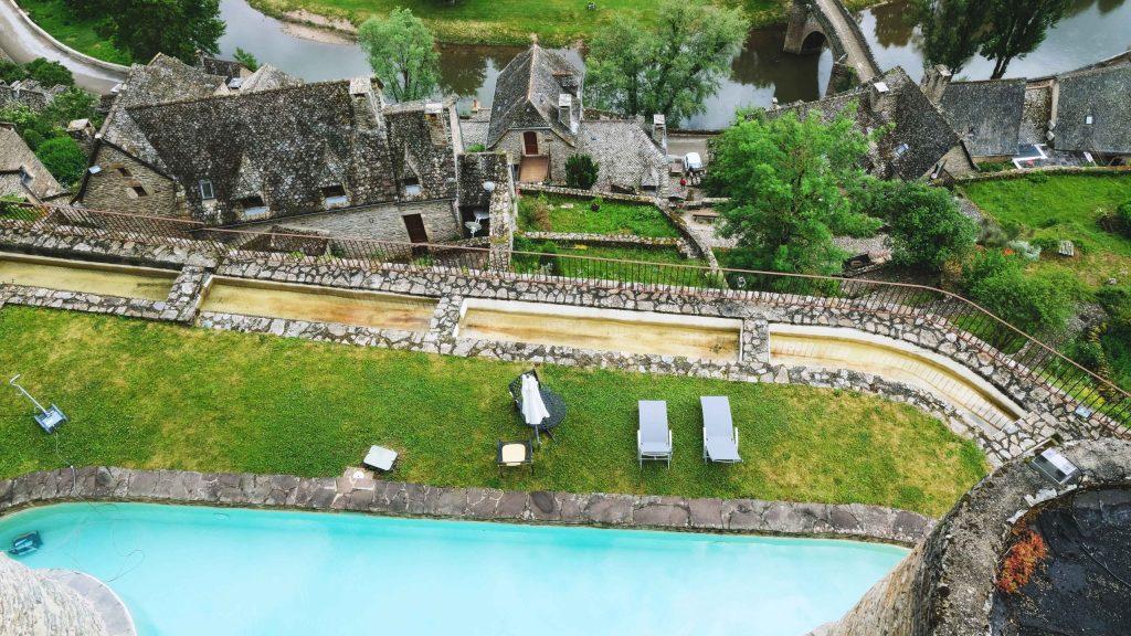 piscine suite chateau de belcastel