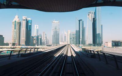 Préparer son voyage à Dubaï : guide pratique, transports, logements