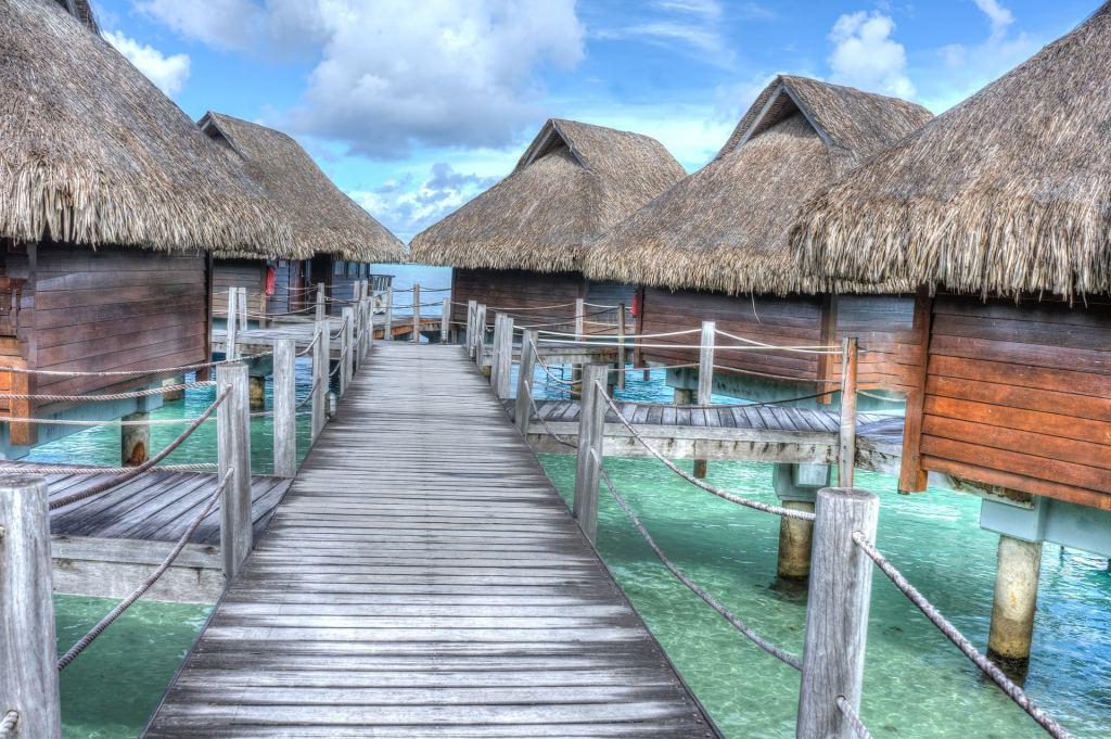 Pilotis en Polynesie