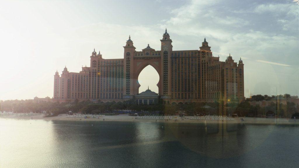 L'hôtel Atlantis depuis le monorail