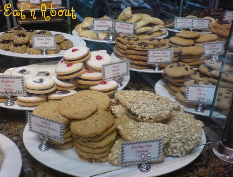 Max's Bakery and Delicatessen: Cookies