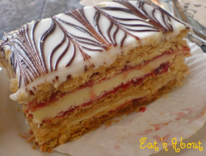 Max's Bakery and Delicatessen: Napoleon
