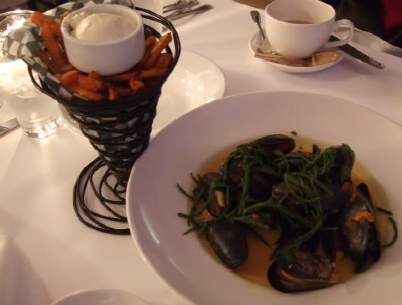 The Fish House: mussels and yam fries