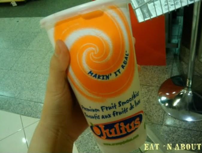 Orange Julius: Pom-Berry smoothie