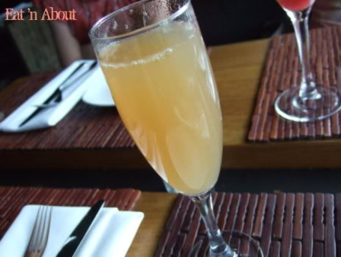 Sanafir white peach cocktail