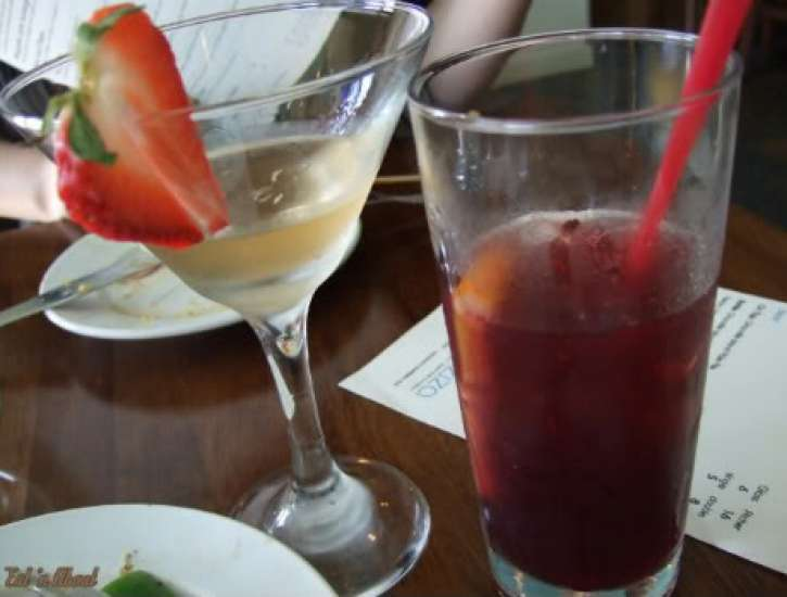 Laziza Modern Mediterranean: Turkish Delight Martini and Sangria