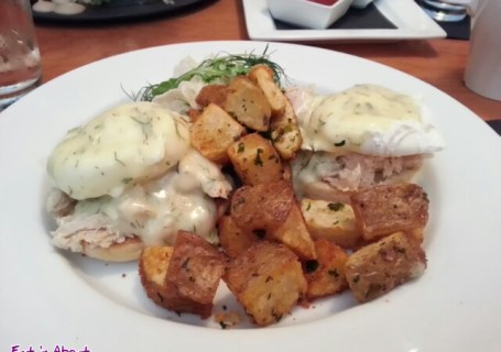 The Oakwood Bistro: Confit Tuna Benedict