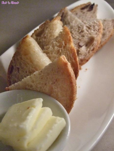ORU: Complimentary bread