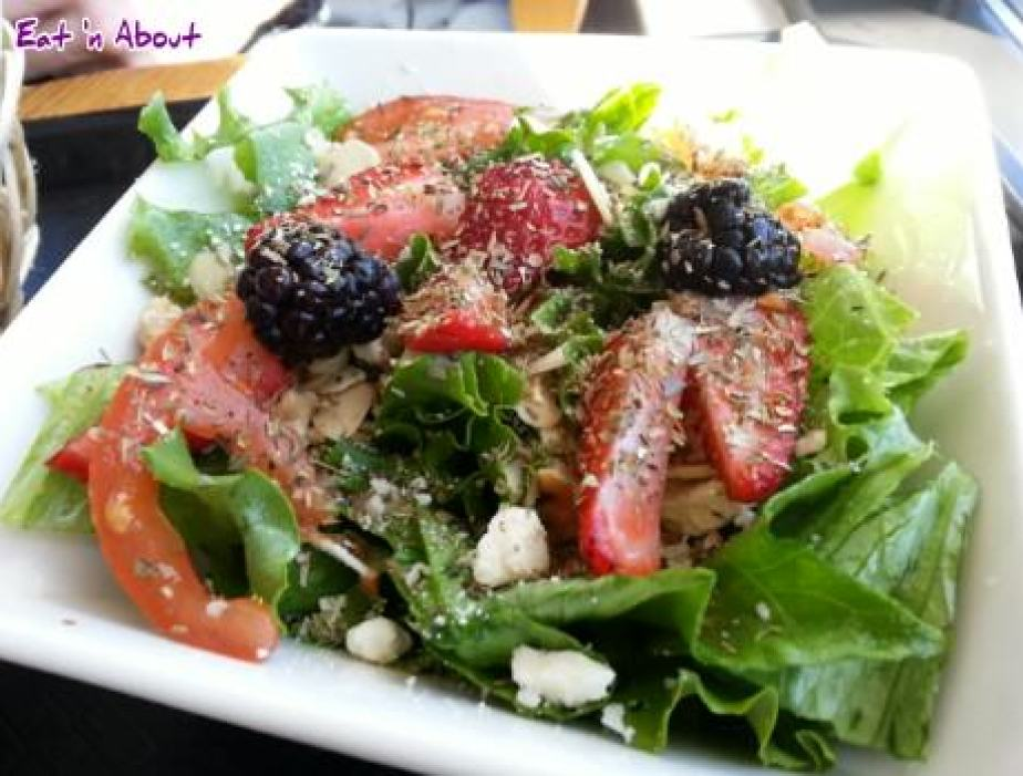 Tealips Bubble Tea & Coffee: Salad