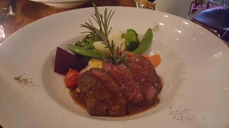 Cafe Salade de Fruits - Venison Medallion