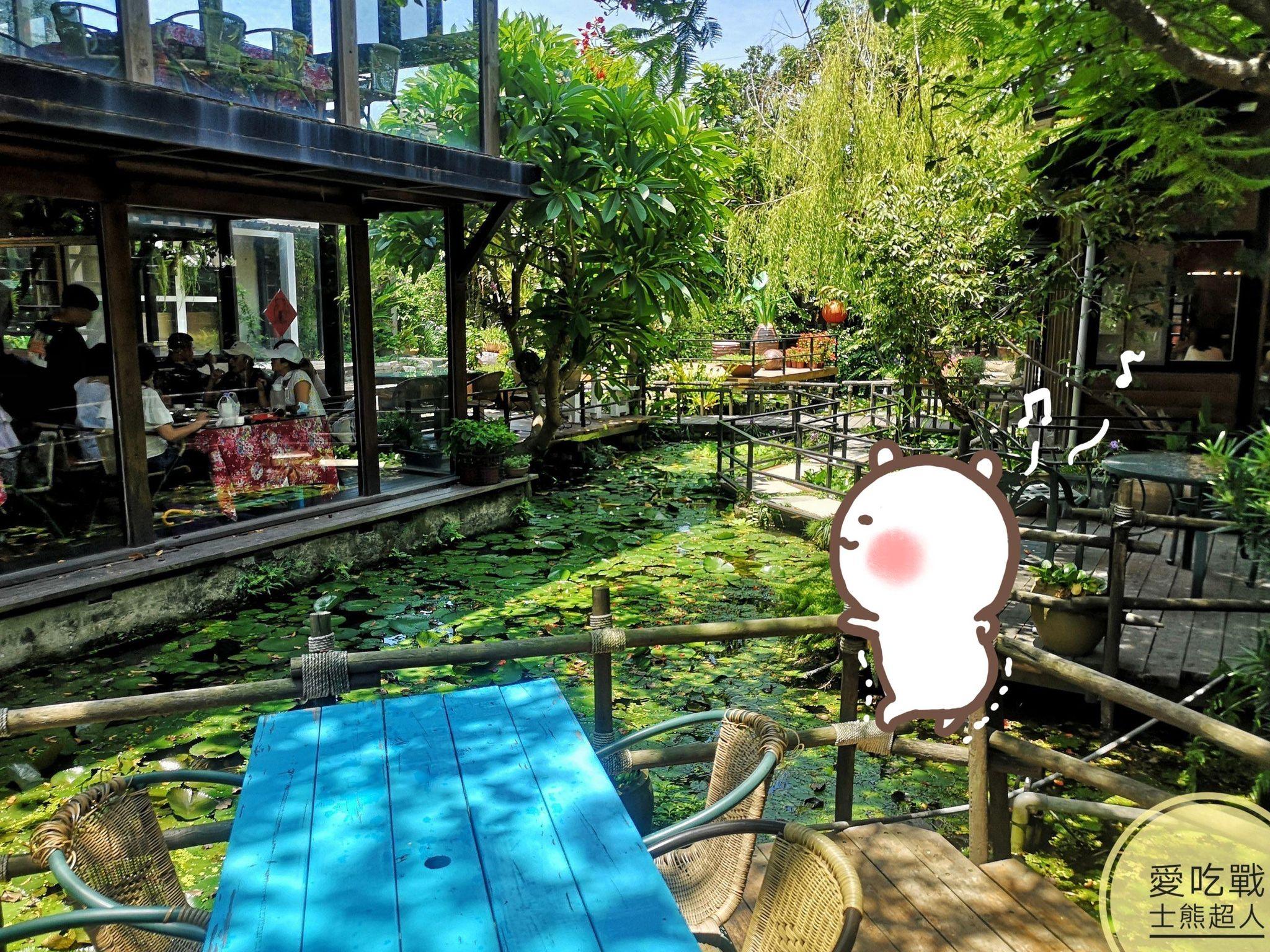 。台中 大安。卓也小屋:來到這古早的庭院用餐,環境舒服+東西好吃只是基本,價格還很親民,是好拍好吃獨樹一格的餐廳。
