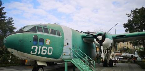 。彰化 溪湖。溪湖軍機公園:近距離與戰鬥機面對面的親子景點,少見的機會。