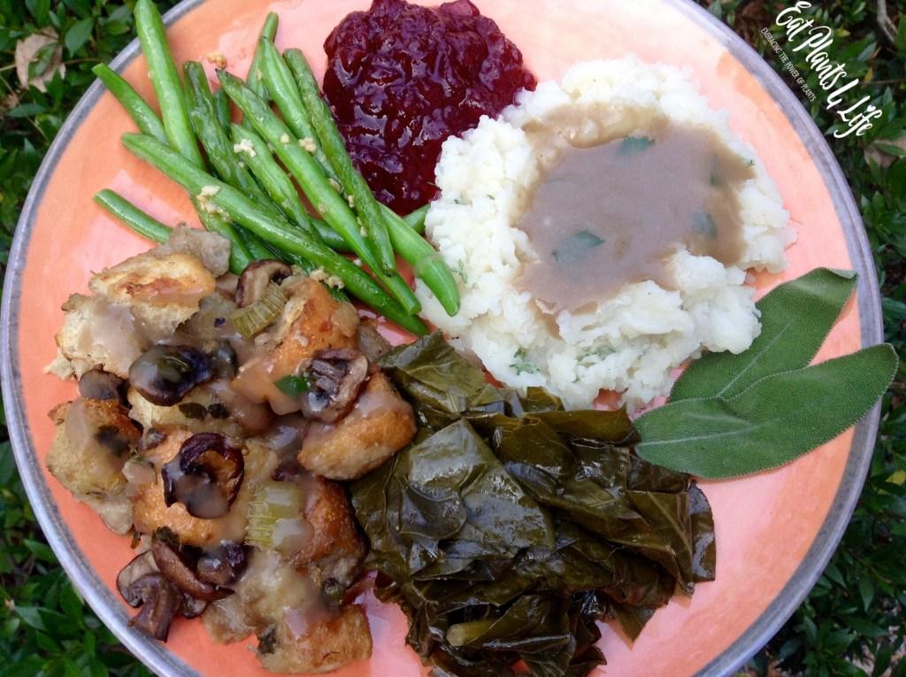 Thanksgiving: Savory Mushroom Stuffing & Swag Gravy