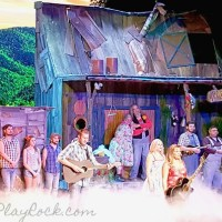 Hillbilly Fun At Hatfield And McCoy Dinner Feud