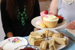https://eatprayjade.com/2014/06/03/good-friends-good-tea-and-some-lovely-scones-that-is-the-ideal-life/