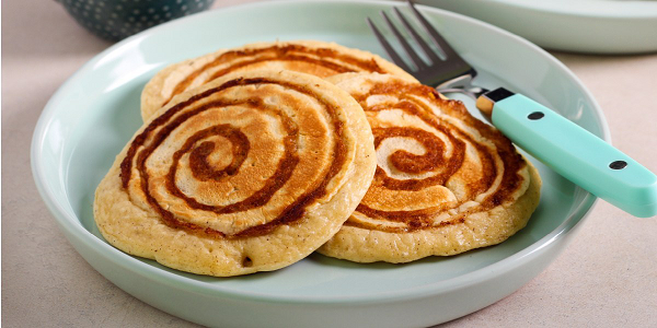 Kick-Start Your Summer Mornings With These Decadent Cinnamon Roll Pancakes
