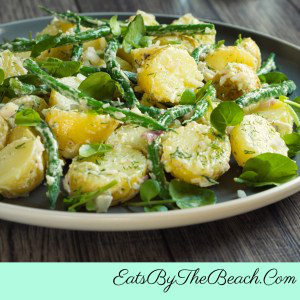 Potato and green bean salad with freshly chopped dill.