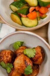 Chicken-meatballs-with-salad